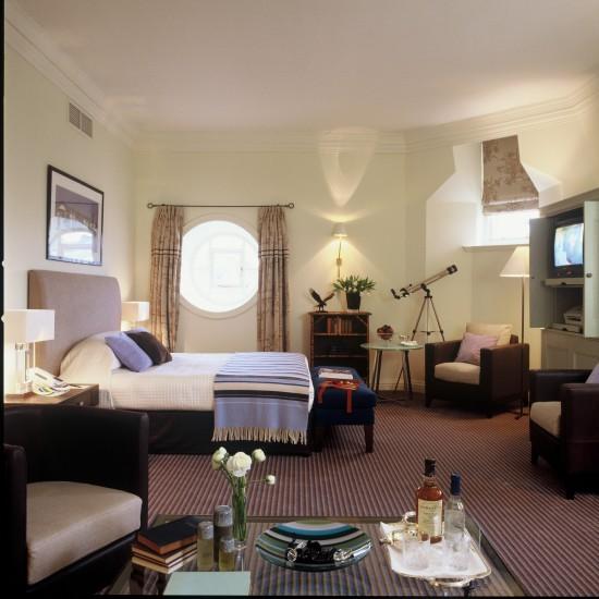 The-Balmoral-Edinburgh-Deluxe-Bedroom-825
