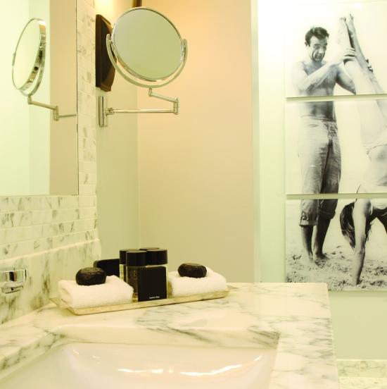 The-Balmoral-Edinburgh-Marble-Bathroom-3214