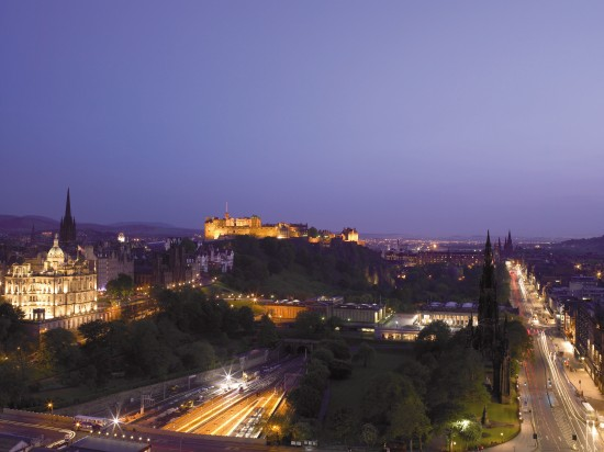 The-Balmoral-Edinburgh-Princes-Street-by-Night-2061