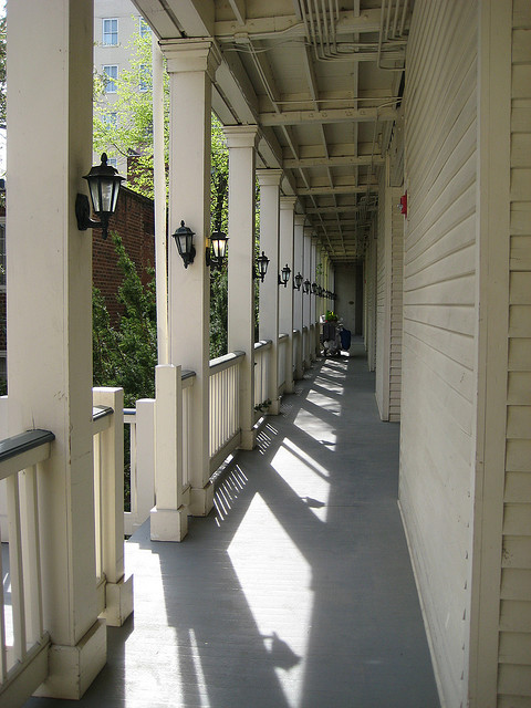 lindenrowporch